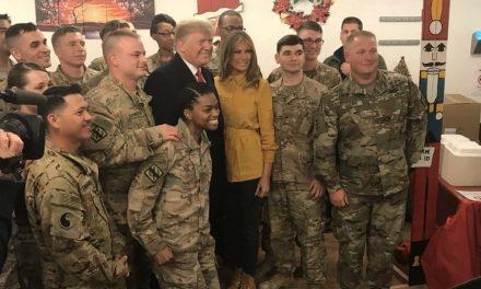 Trump visita a soldados en Irak