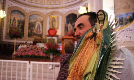 Asisten miles de pachuqueños a adorar a la virgen, en la  villita