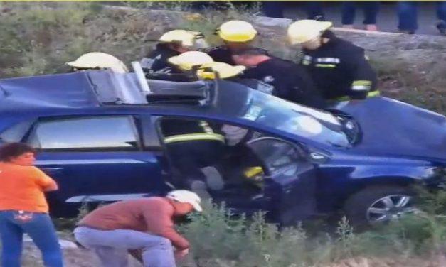 Accidente entre una pipa y un vehículo particular, en Las Torres