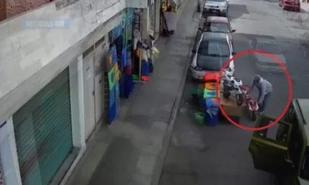 Captan a personas que  robaron motocicleta de juguete previo al Día de Reyes
