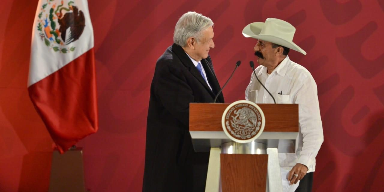 Nieto de Zapata grita ¡Viva México cabrones!