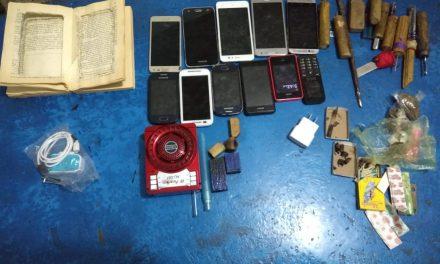 Encuentran celulares y puntas hechizas en operativo realizado en la cárcel de Tizayuca