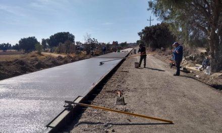 SOPOT reconstruye carretera San Pedro Tlaquilpan-La Trinidad, en Zempoala