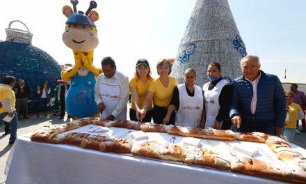 Parten Rosca de Reyes de 81 metros en Pachuca