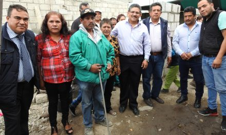 Ayuntamiento de Tolcayuca beneficia con losas a 10 familias