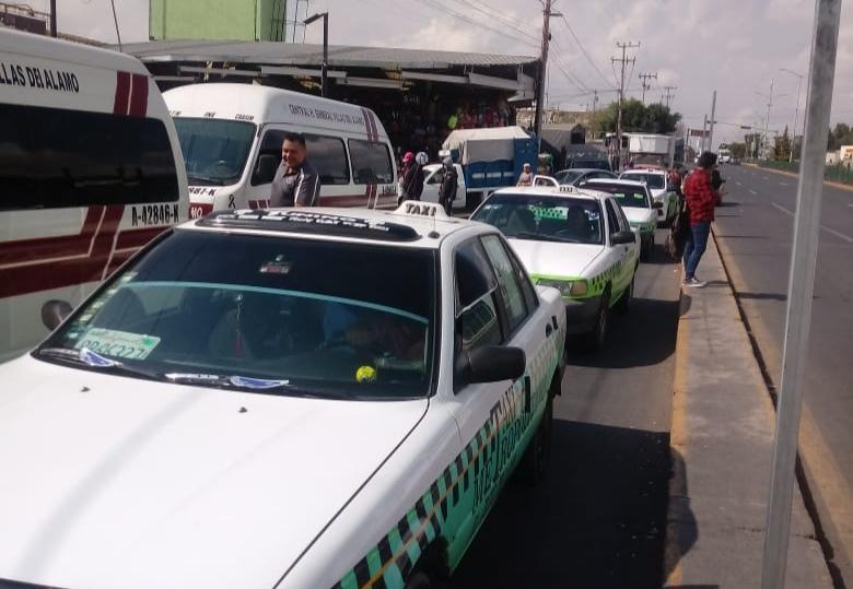 Implementan operativo para evitar cobros excesivos en taxis