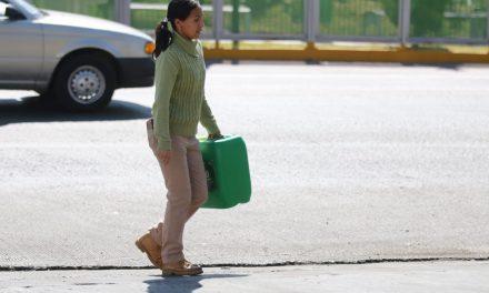 PC advierte del peligro de almacenar gasolina en bidones