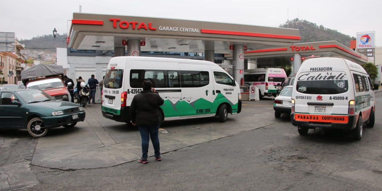Priorizan atención a vehículos oficiales y de transporte público en gasolineras