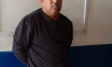 Detienen a sujetos acusados de robar a transeúnte en Pachuca