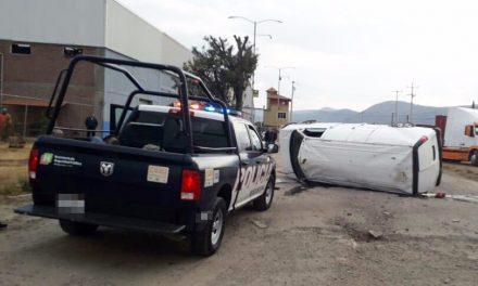 En persecución, policías estatales aseguran camioneta con hidrocarburo