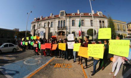 Trabajadores del SUTSMP se manifiestan para exigir atención médica de calidad
