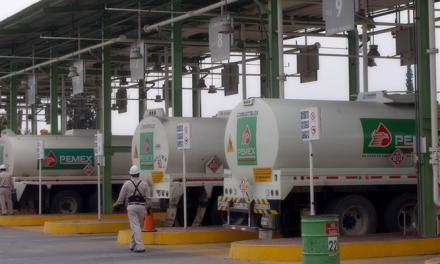 Tardan hasta 24 horas para cargar pipas en la refinería de Tula: Coparmex