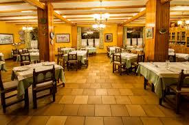 Restauranteros son afectados por alza en precios y baja demanda de servicio