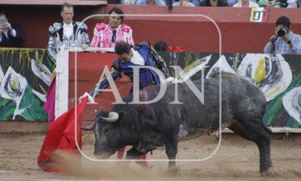 David Adame y Ventura, triunfadores en la corrida Goyesca