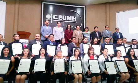 Ceumh entrega 40 títulos profesionales