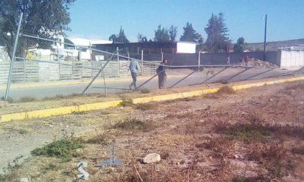 Destruyen parte de unidad deportiva de Santa Mónica, Epazoyucan
