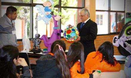 «Arte en Unicel» del artista Víctor Rodríguez recorre instituciones educativas