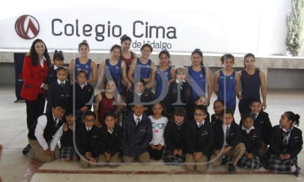 Gladiadoras hidalguenses convivieron con alumnos de primaria y secundaria