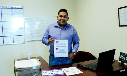 Colocan señalética en Otomí en la Presidencia Municipal de Tulancingo
