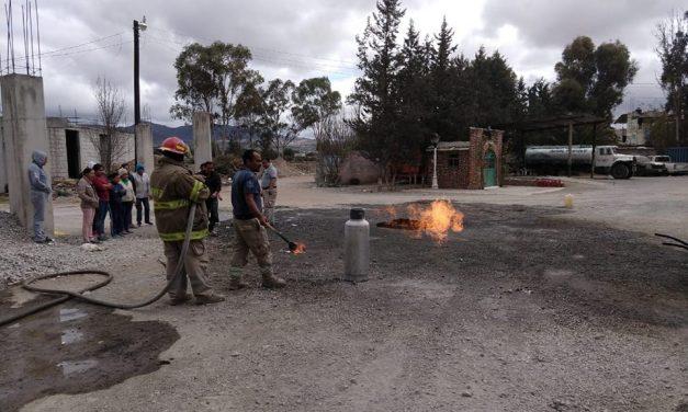 PC Villa de Tezontepec ofreció curso sobre manejo de extintores