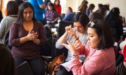 UTVM busca docente en lenguaje de señas francesas para alumnos sordos