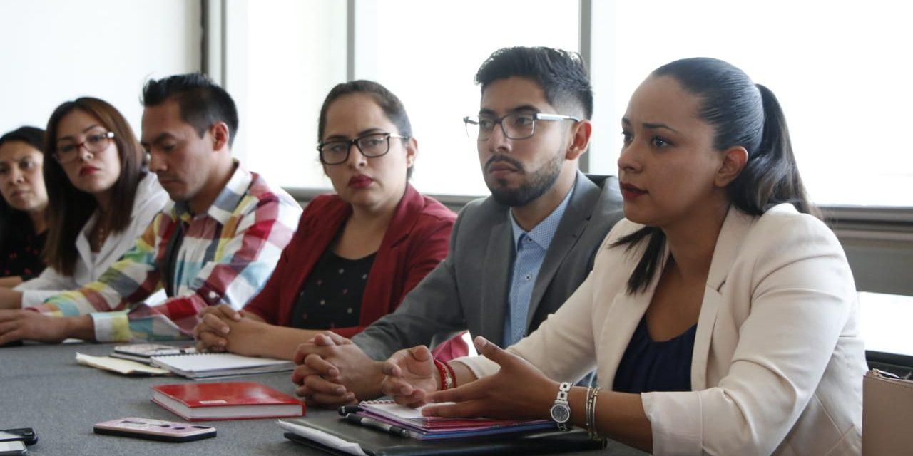 Exempleados de Prospera piden ser empleados en otro programa