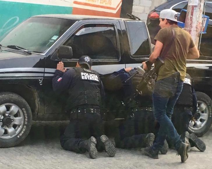 Comando armado secuestra a policías en Puebla, hay alerta en Hidalgo