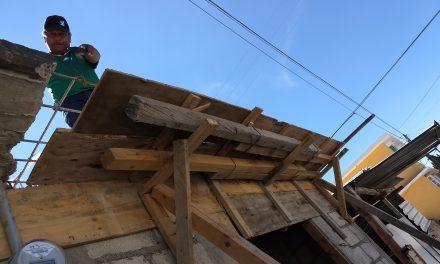 """Ponen en marcha programa """"No más techos de cartón», en Tolcayuca"""