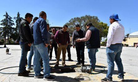 Alcalde atiende necesidades de la comunidad de Acayuca