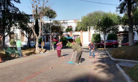 «Amigas de Yoli» y personal de confianza realizan labores de limpieza