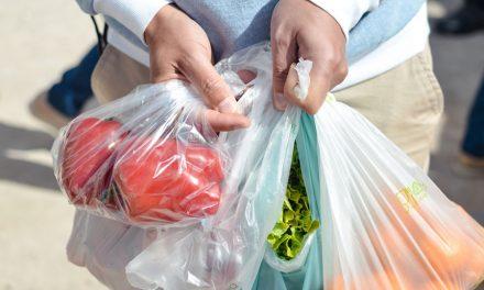 Municipios establecerán multas a quien ofrezca bolsas de plástico
