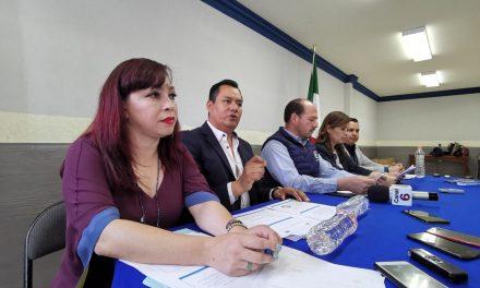Asael Hernández acusa rezago en la comisión que preside Roxana Montealegre