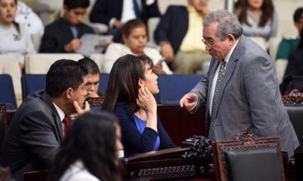 "Acusan diputados de oposición intentó de ""albazo"" de Morena"