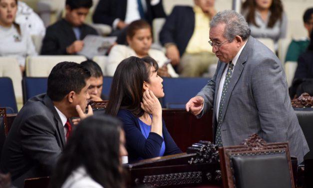 Buscan parlamento abierto en el Congreso local