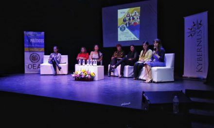 Visibilizan dificultades de la mujer en la política, en conversatorio