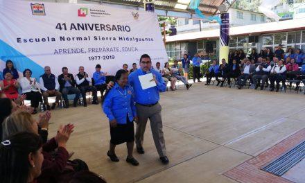 Festeja Escuela Normal de la Sierra Hidalguense su aniversario 41