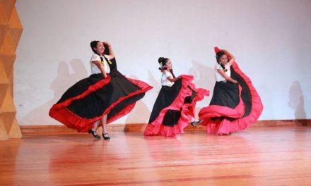 Ayuntamiento celebra al ballet Xolotl en su Primer Aniversario