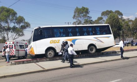 Accidente de autobús ODZ en Colosio deja un lesionado