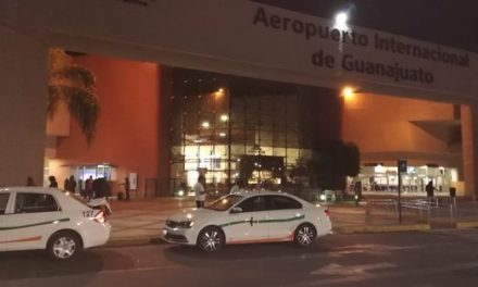 Roban 20 mdp de aeropuerto de Guanajuato