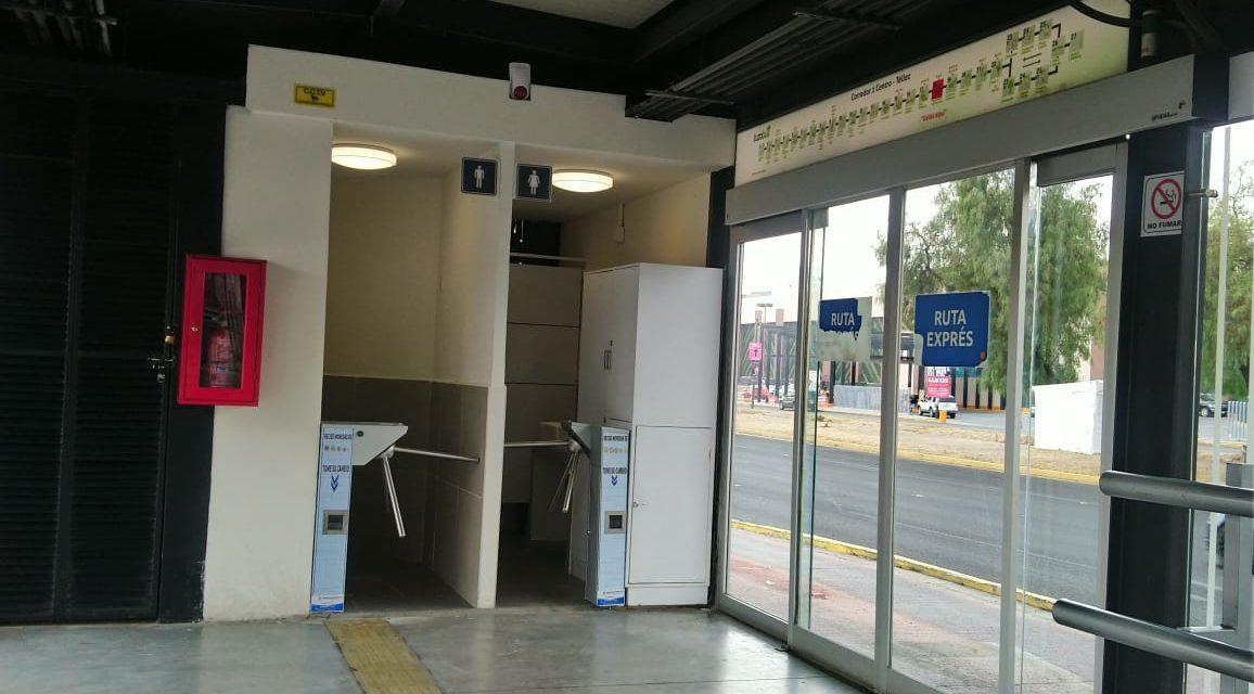 Inicia fase de prueba de sanitarios en estaciones del Tuzobús