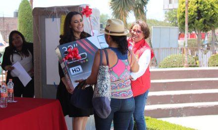 Premian a contribuyentes cumplidos 2019 en Santiago Tulantepec