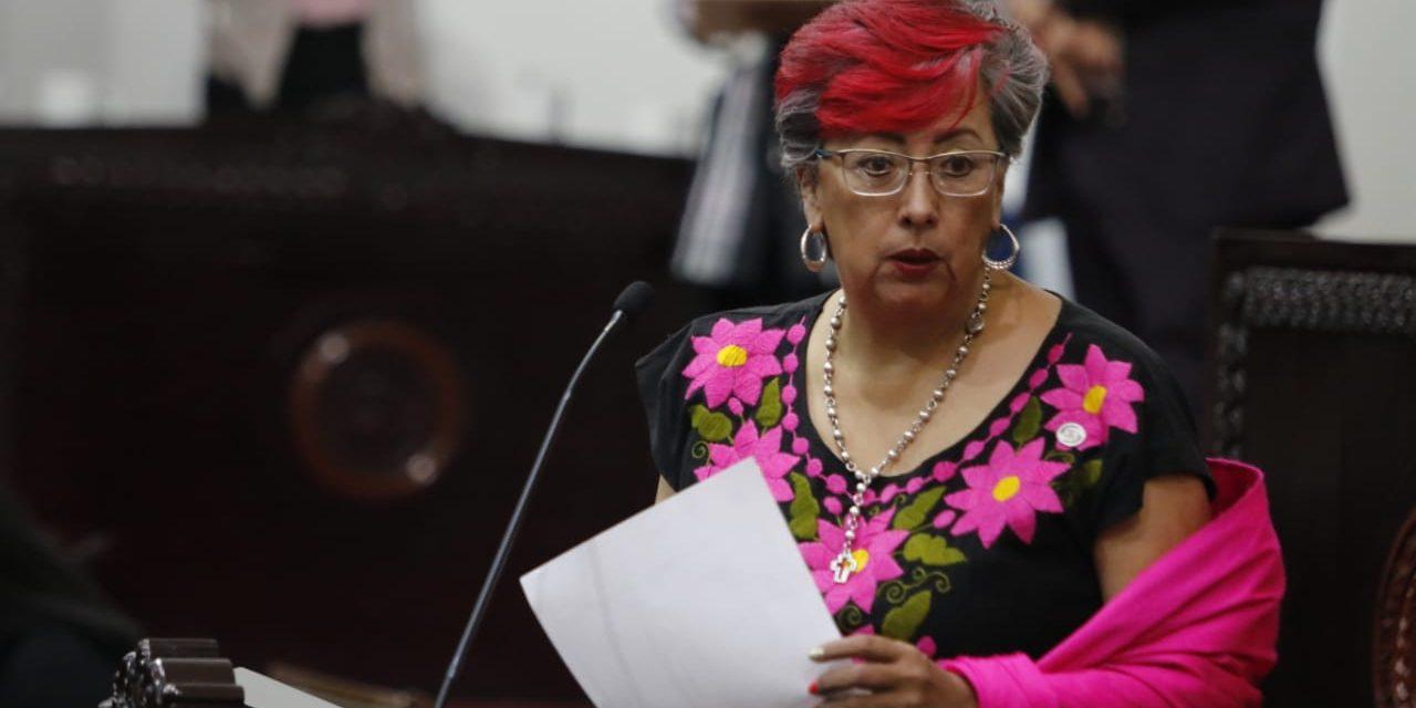 Diputada Morenista discute por un asiento y es llamada Lady Butaca
