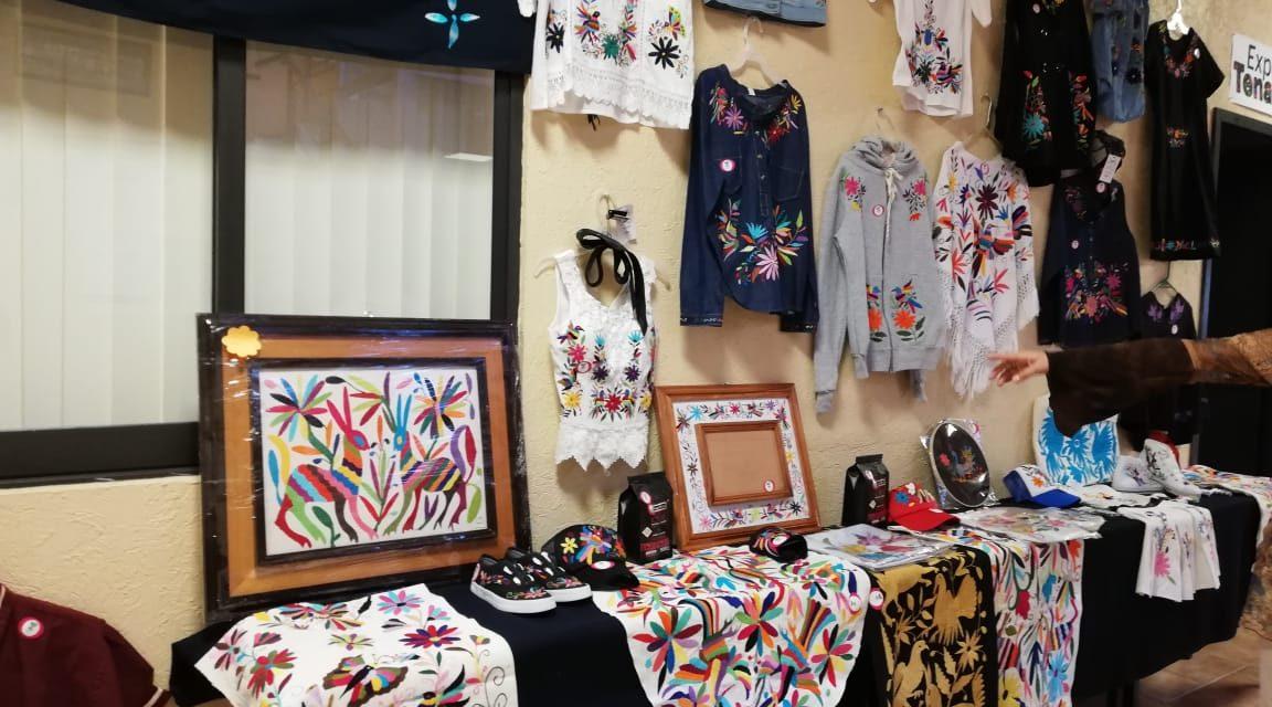 Para conmemorar el Día del Tenango, ICATHI expone artesanías