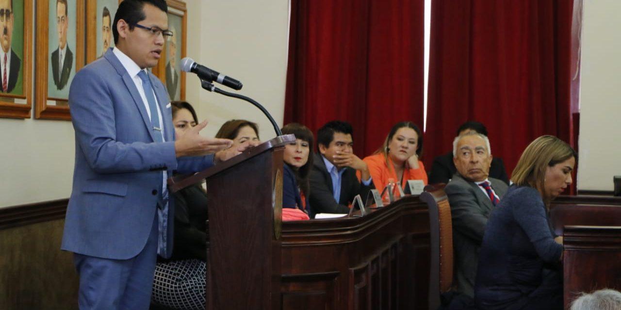 Licitación para bacheo impulsada por Tellería carece de techo presupuestal, acusa regidor