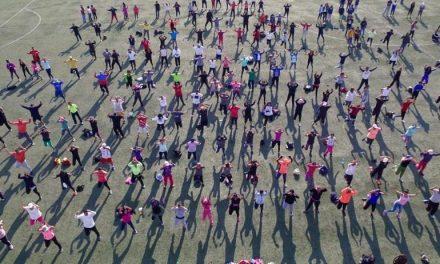 Conmemoran Día Mundial de la Activación Física con mega clase