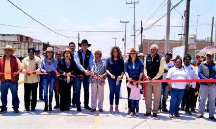 Inauguran pavimentación en la colonia Independencia en Ciudad Sahagún