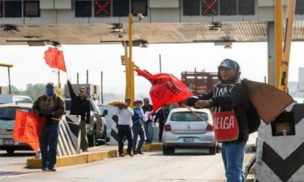 Sindicalizados de la UAM bloquearon la México-Cuernavaca