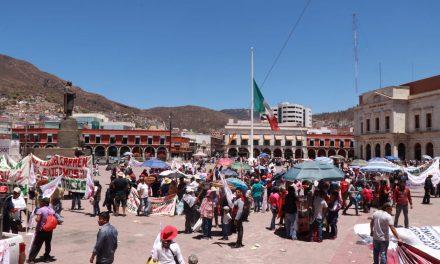 Antorcha Campesina instala plantón en Plaza Juárez,