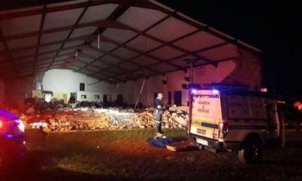 Mueren 13 personas tras derrumbarse iglesia en Sudáfrica