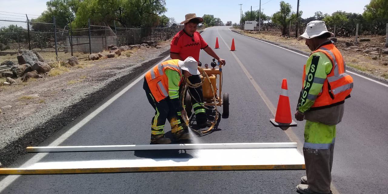 Obras Públicas realiza balizamiento en Tolcayuca
